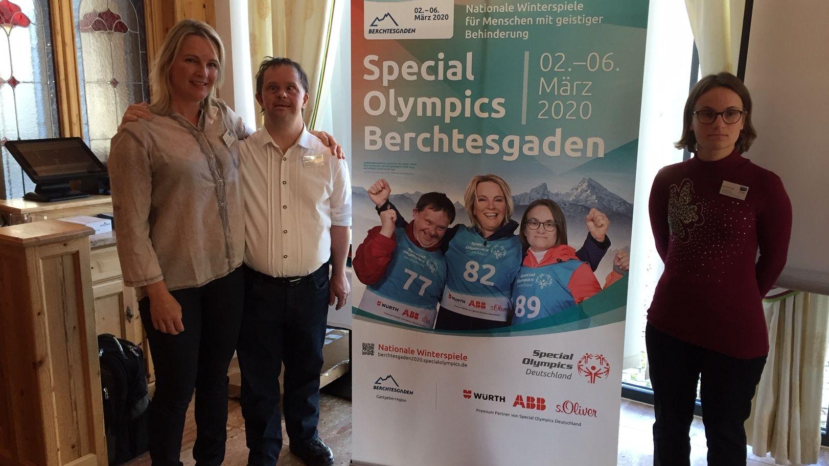 Ski Olympiasiegerin und Weltmeisterin Hilde Gerg, Special Olympics Athlet Paul Wembacher und Special Olympics Athletin Sandine Springer.