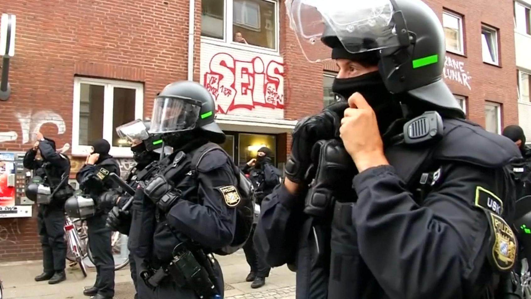Nach Recherchen der Rundschau ermittelt das Polizeipräsidium München gegen 14 eigene Leute wegen antisemitischer Videos auf deren Handys.