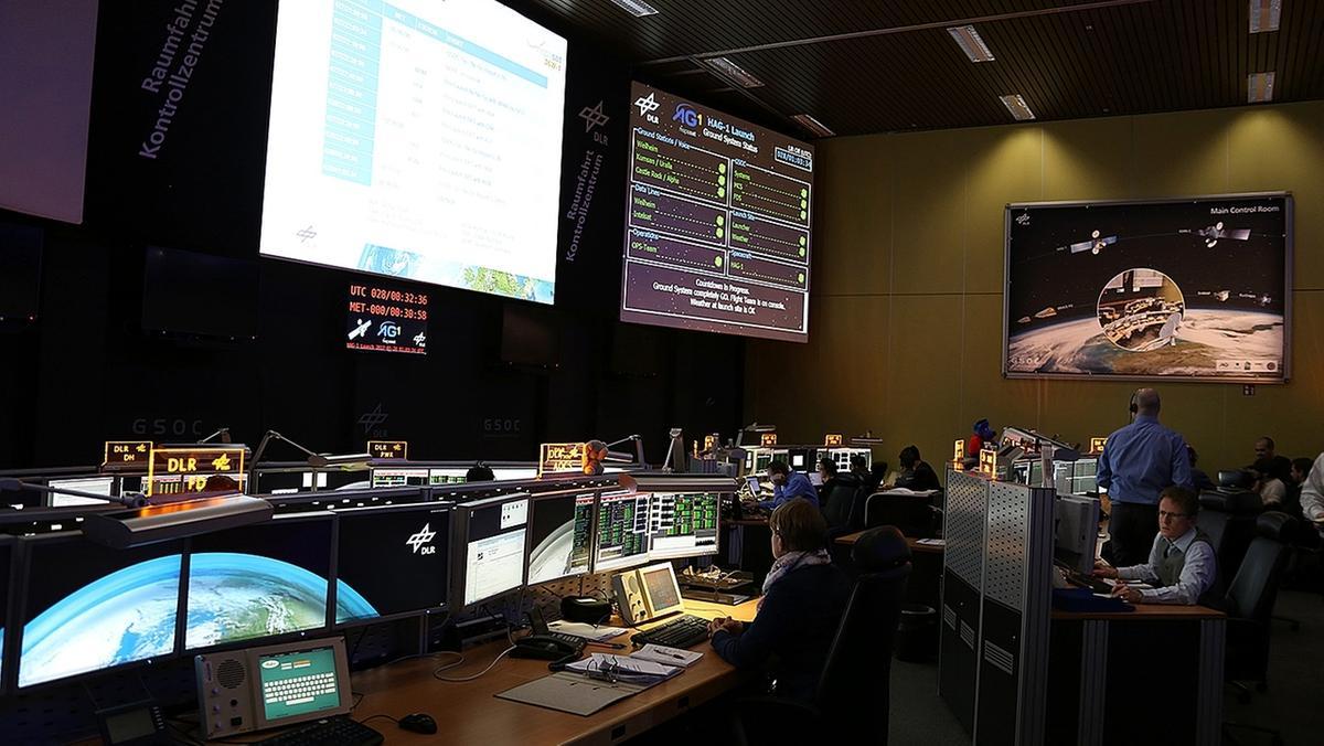 Kontrollraum 1: Deutsche Raumfahrtkontrollzentrum GSOC Oberpfaffenhofen