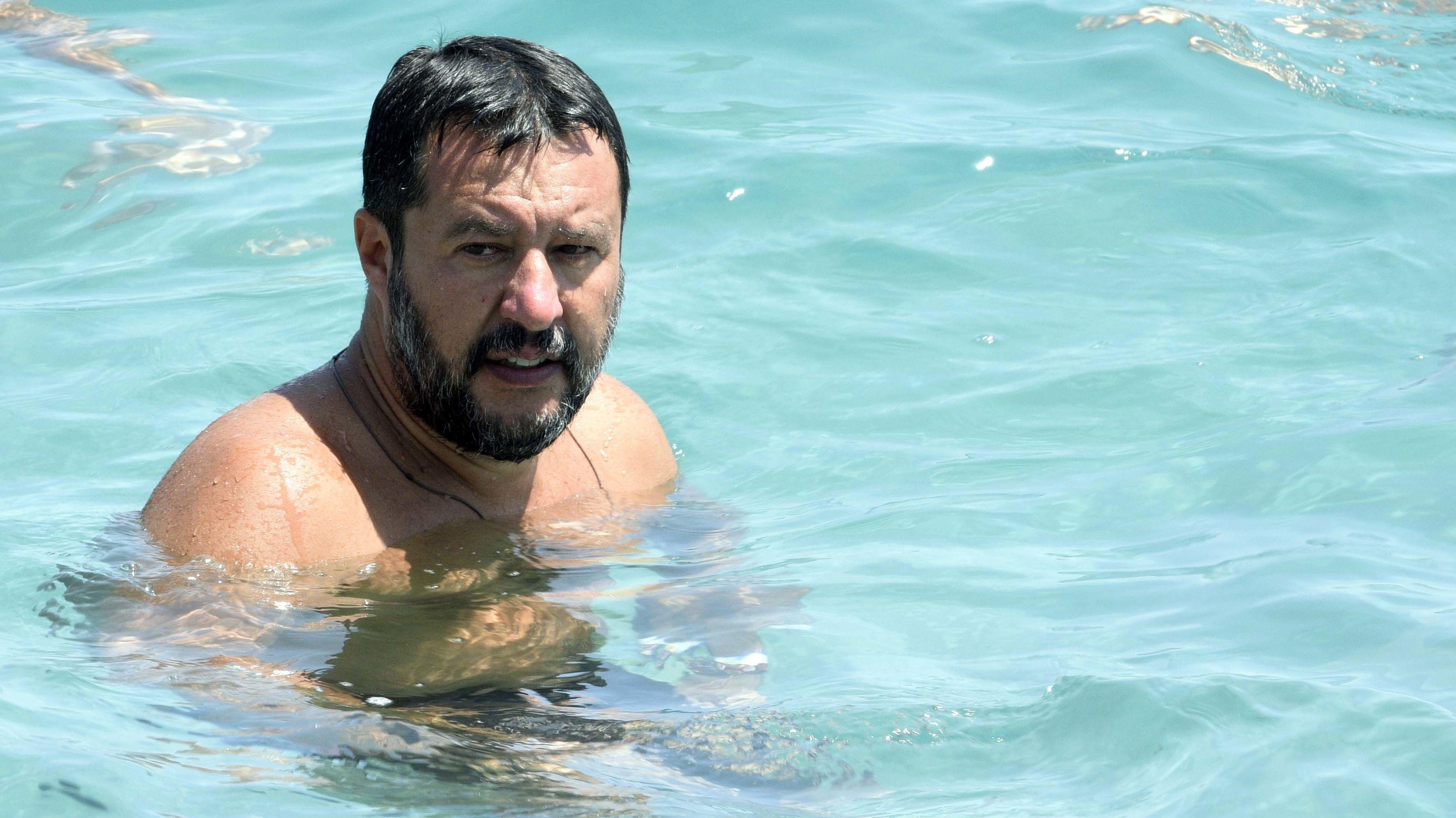 Matteo Salvini beim Bad im Meer