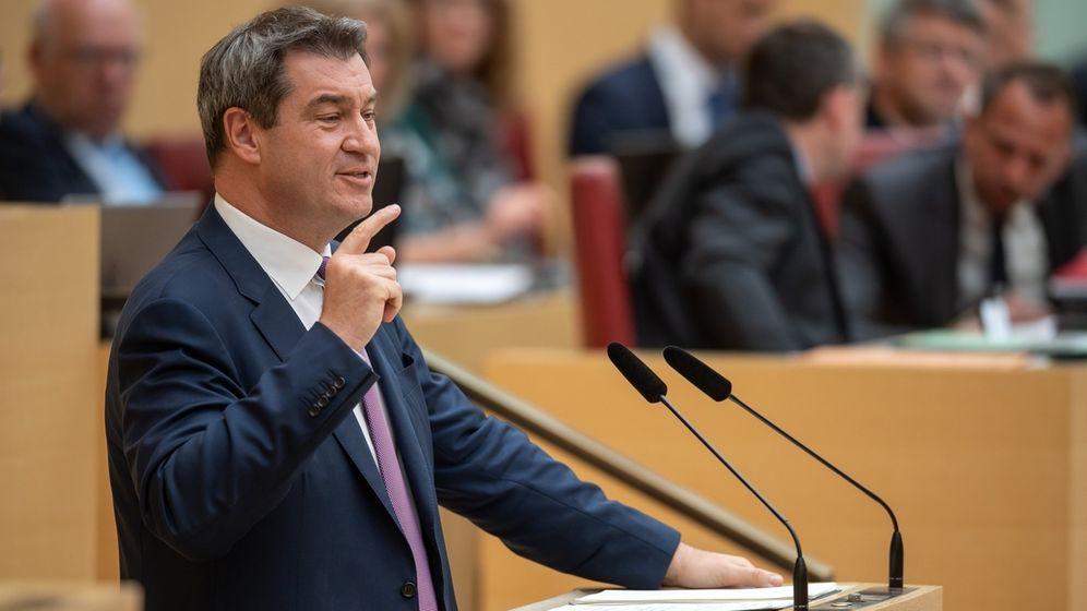 Markus Söder (CSU), Ministerpräsident von Bayern, gibt im Plenarsaal während der Landtagssitzung eine Regierungserklärung ab. | Bild:dpa-Bildfunk