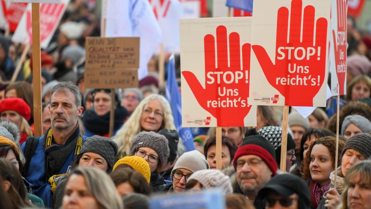 Lehrer auf Demonstration in Nürnberg