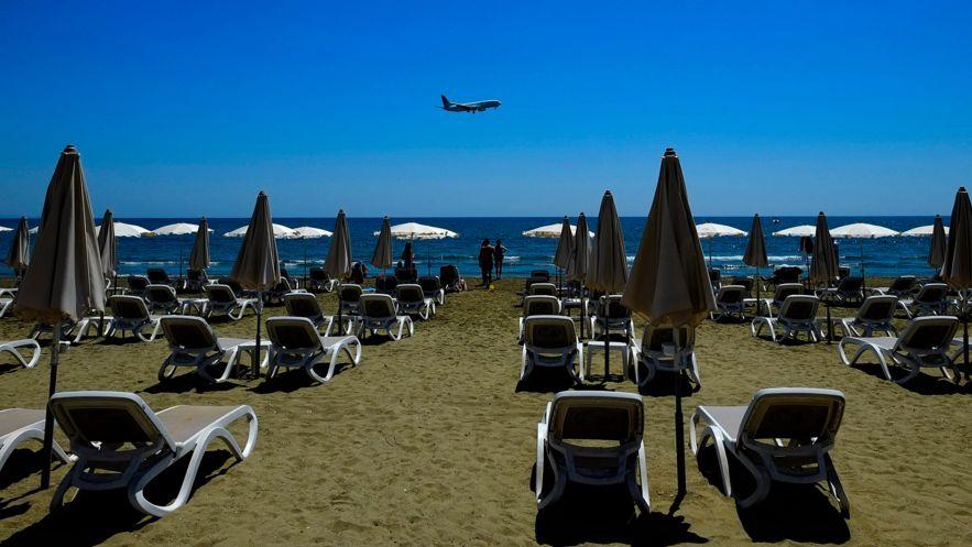 Fast leerer Strand auf Zypern