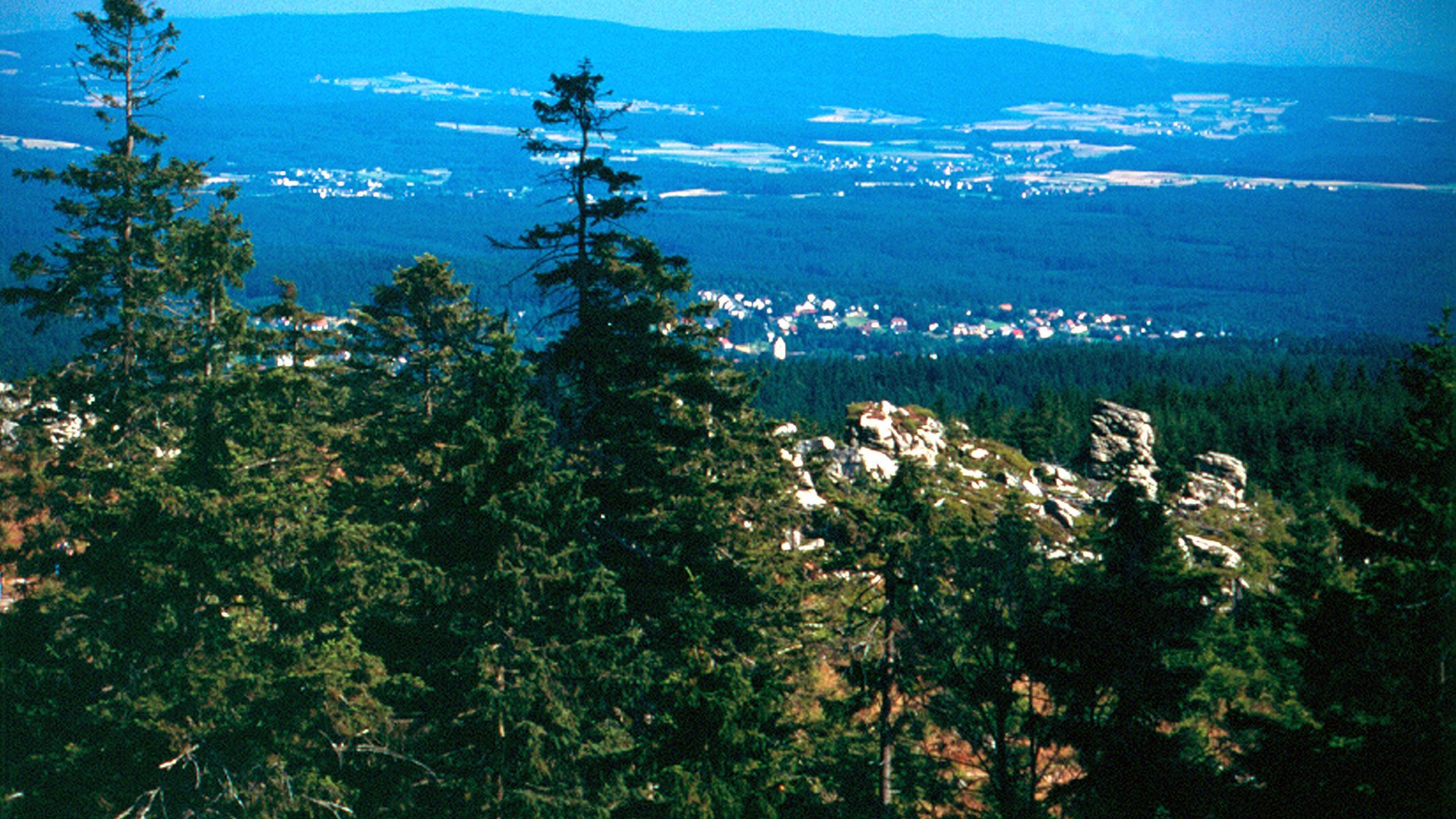 Blick vom Ochsenkopf, dem zweithöchsten Berg des Fichtelgebirges.