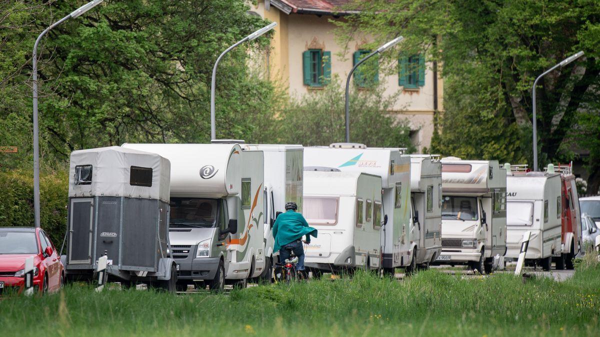 Geparkten Anhängern, Wohnmobilen und Wohnwagen