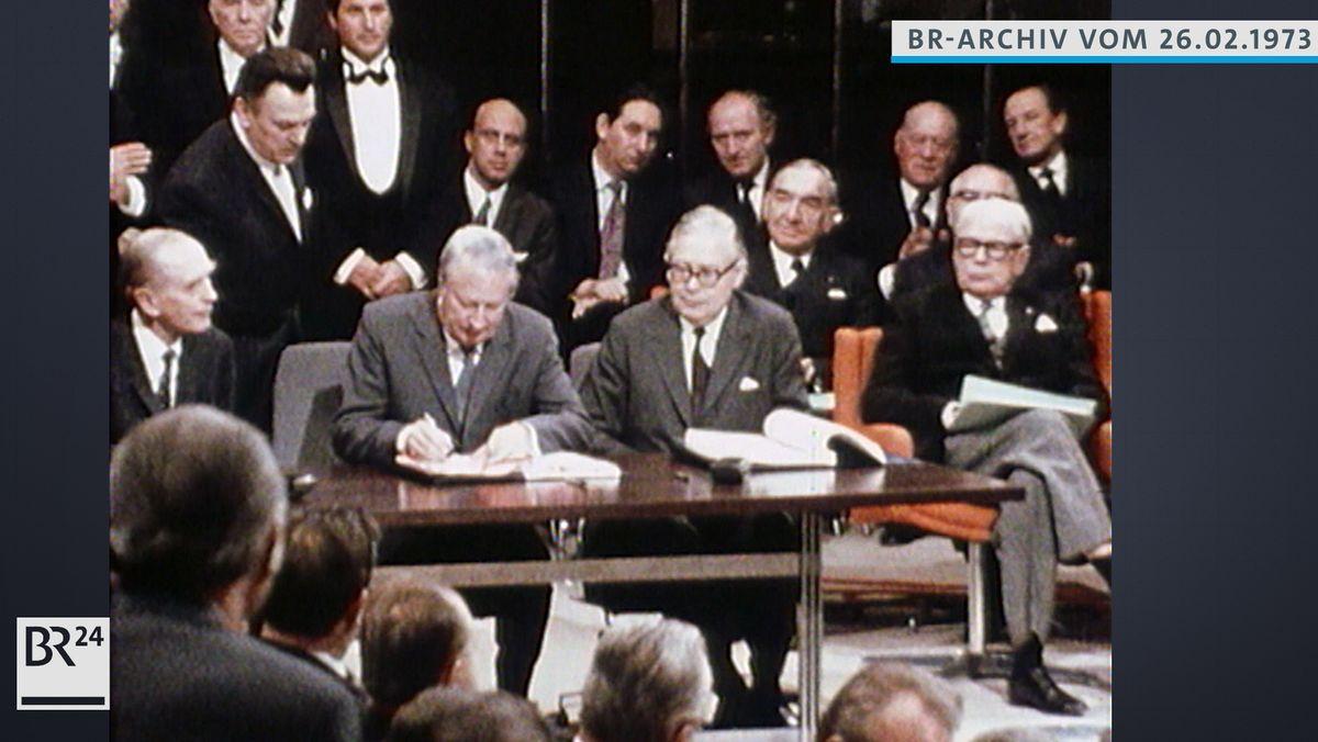 Premierminister Heath unterzeichnet den Beitrittsvertrag zur EWG