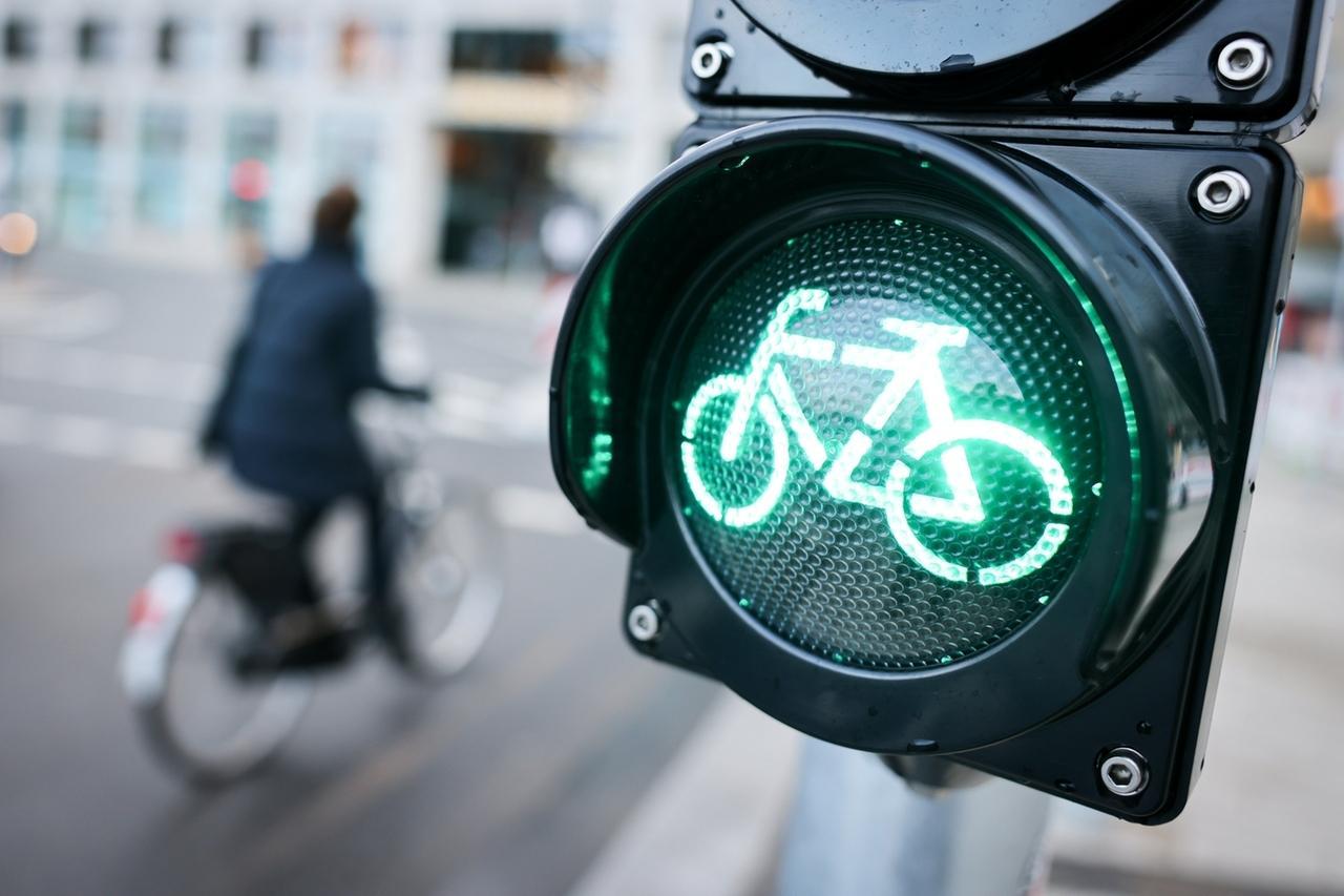 Fahrradampel steht auf grün