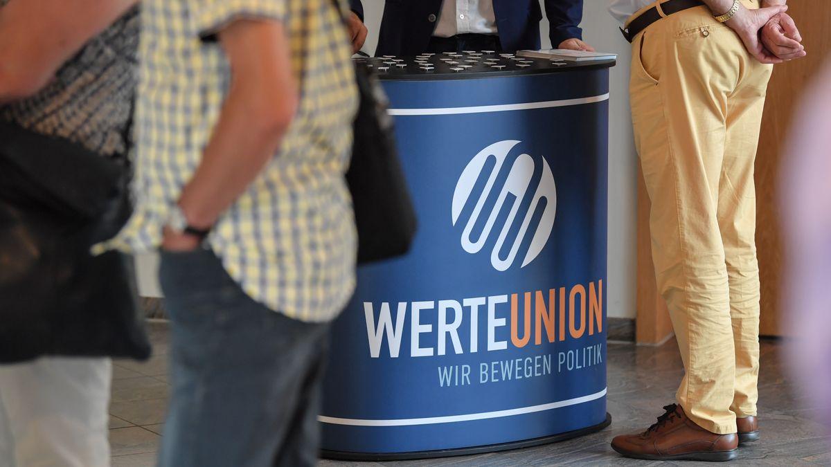 Infostand der Werte-Union