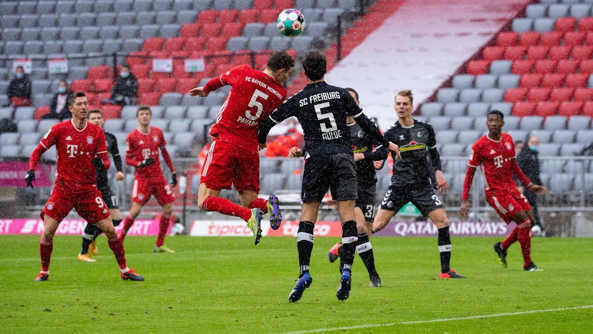 Spielszene FC Bayern München gegen SC Freiburg