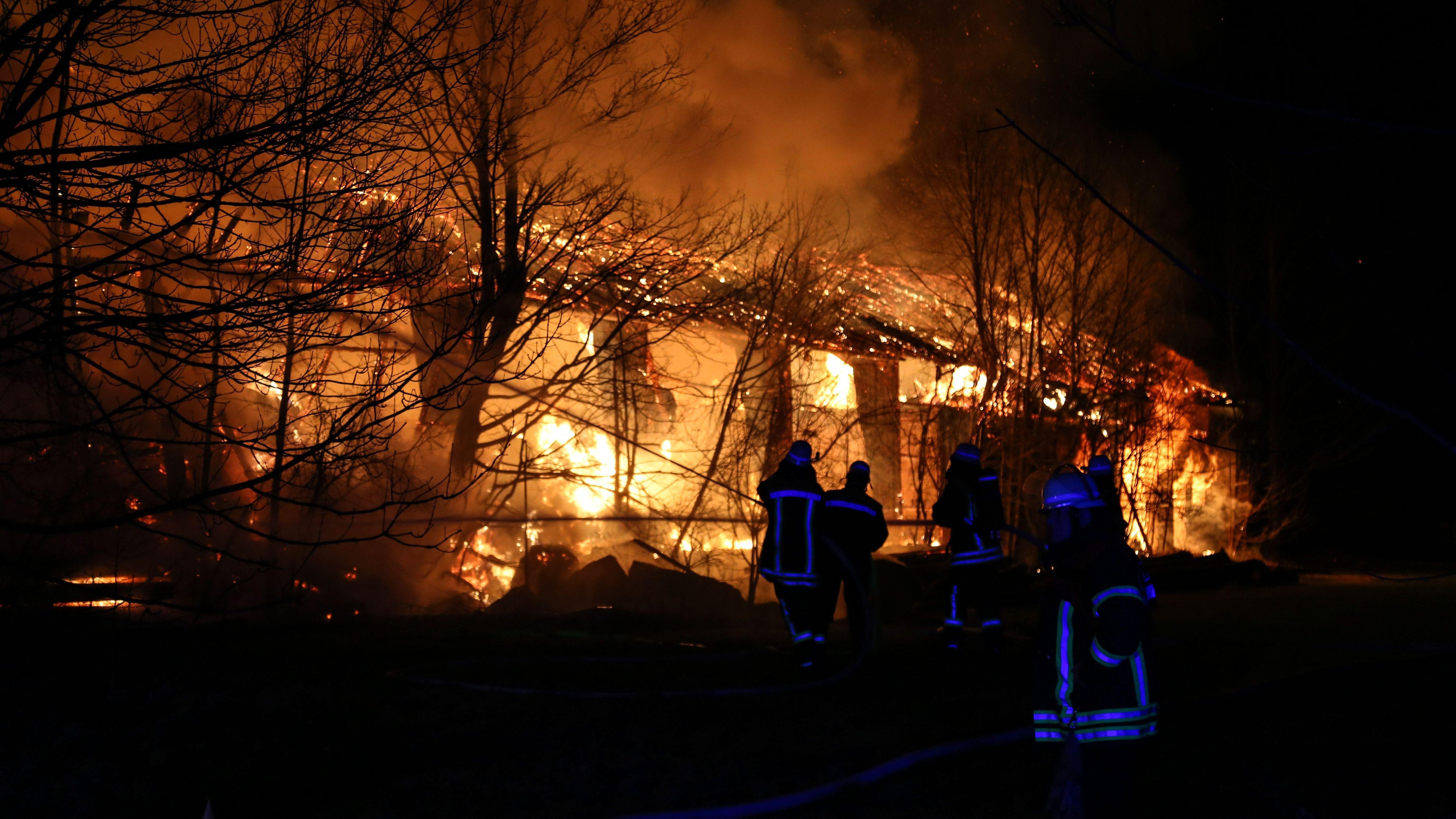 Feuerwehreinsatz beim Brand einer Scheune in Weilheim.