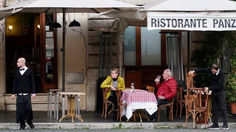 Italien verschärft die Corona-Regeln   Bild:dpa-Bildfunk/Andrew Medichini