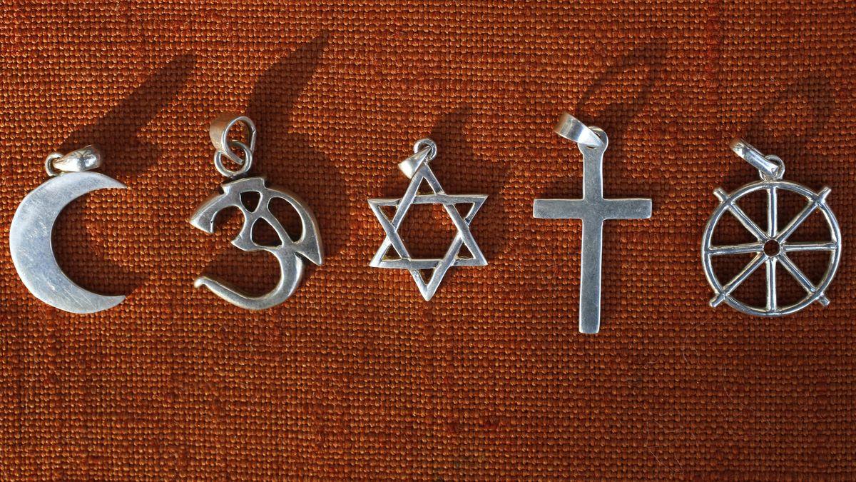 Symbole von fünf Religionen.