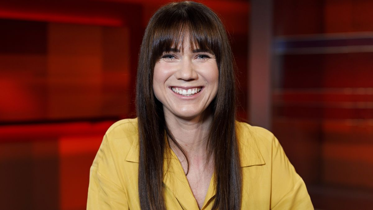 """Influencerin Louisa Dellert in der ARD-Talkshow """"hart aber fair"""" im WDR Fernsehstudio in Köln am 23.09.2019"""