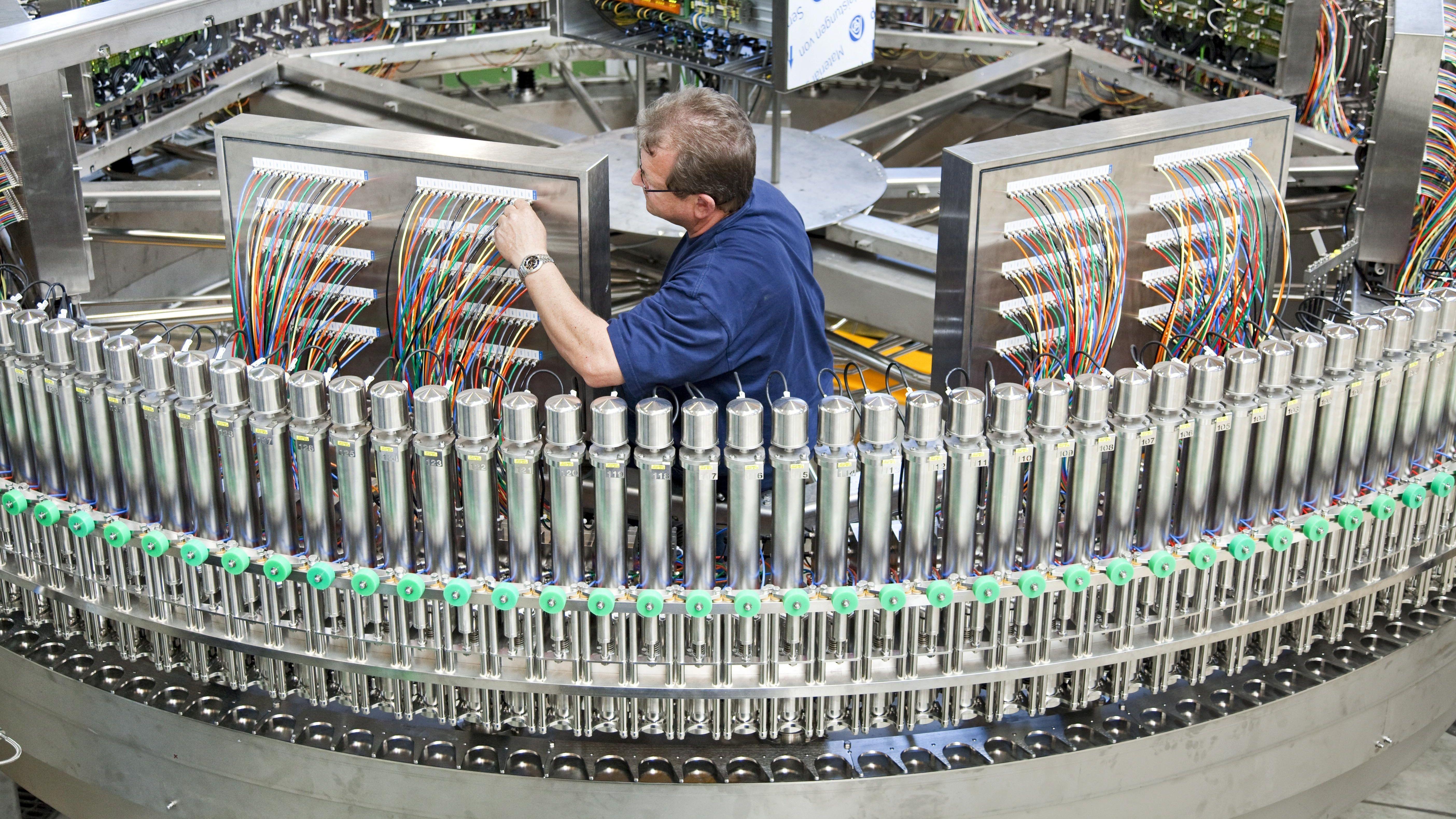 Krones ist Weltmarktführer für Getränkeabfüllanlagen: Im laufenden Jahr will der Konzern seinen Umsatz um drei Prozent steigern.