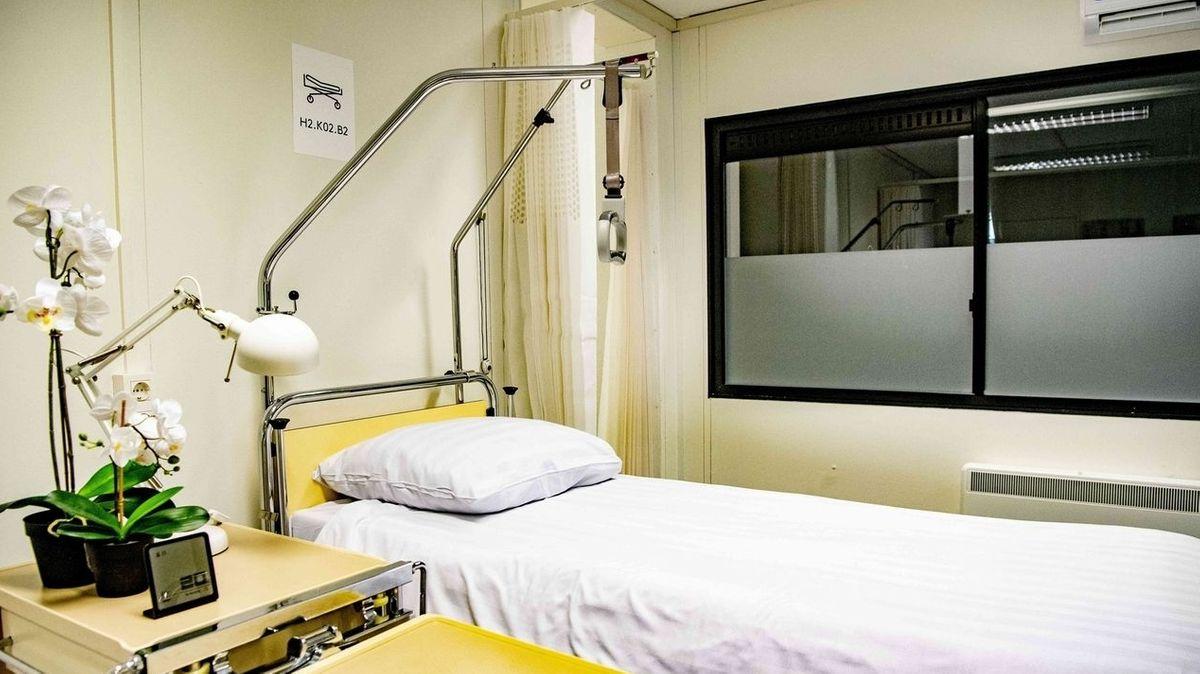 Krankenhausbett