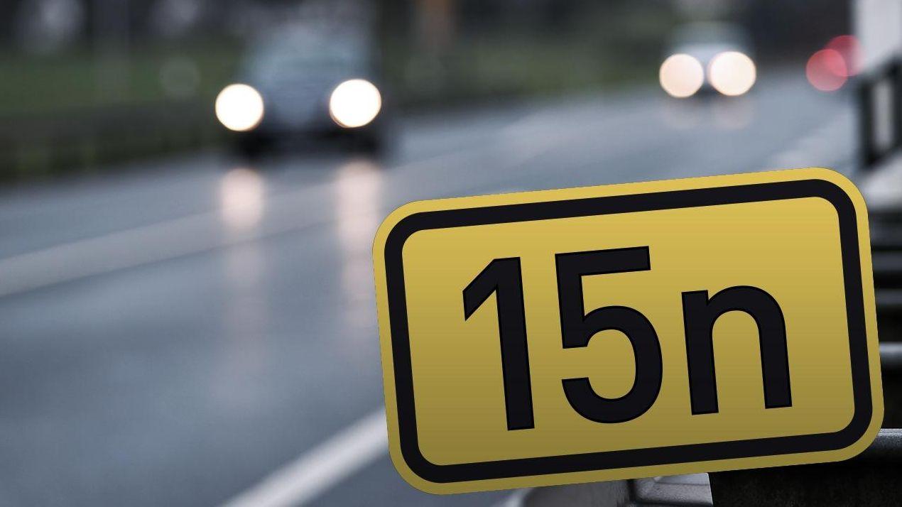 Schild an der B15neu