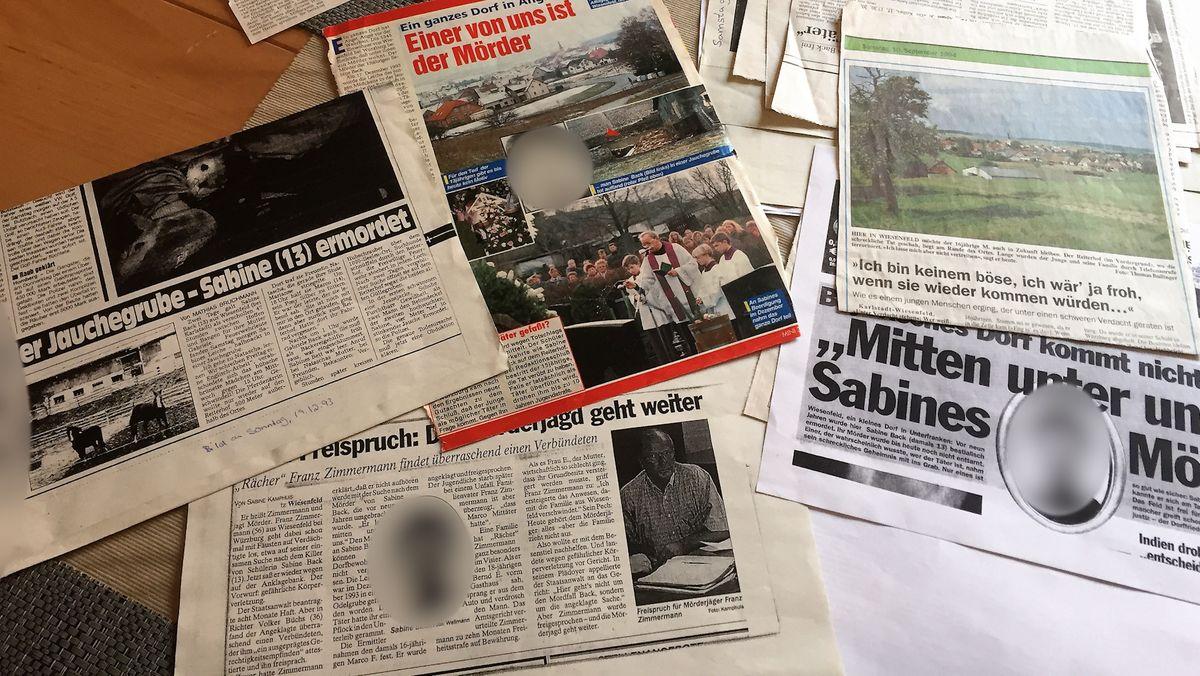 Zeitungsausschnitte nach dem Mord eines Mädchens im Landkreis Main-Spessart vor 27 Jahren