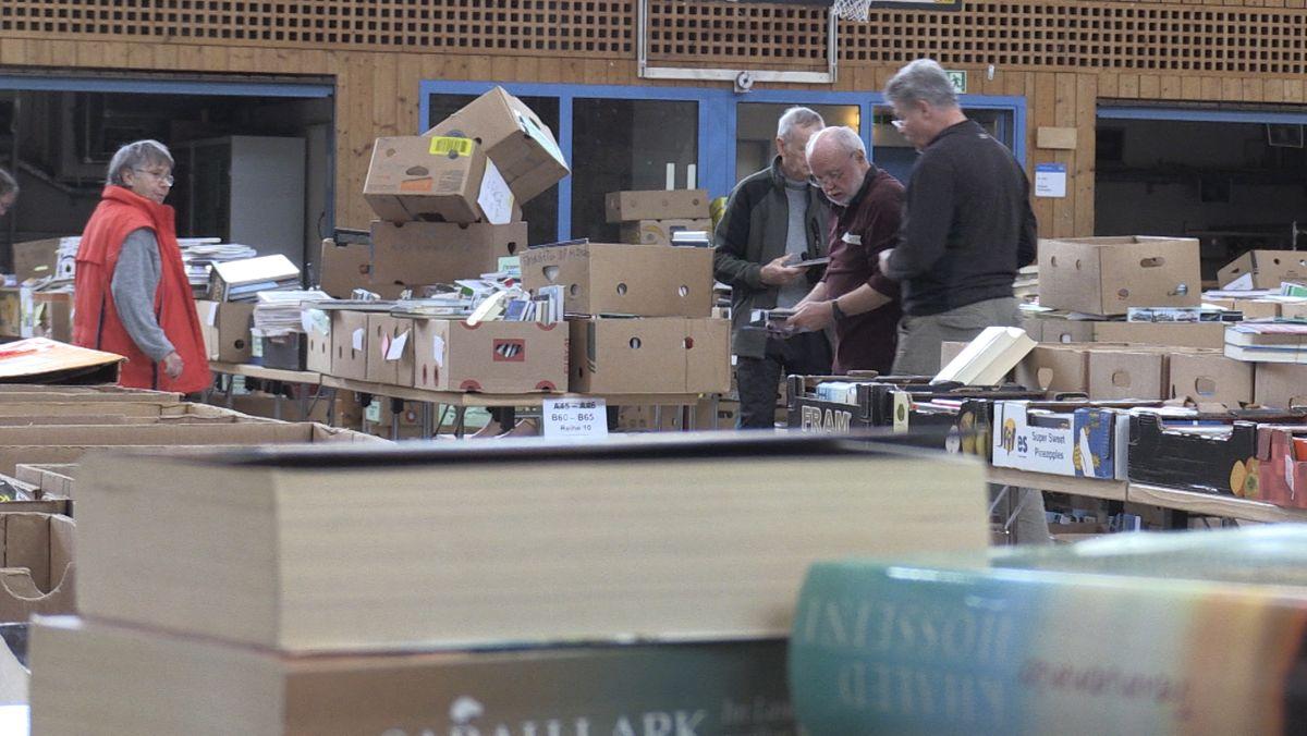 Am Samstag und Sonntag öffnet der große Bücherflohmarkt in Gröbenzell seine Pforten.