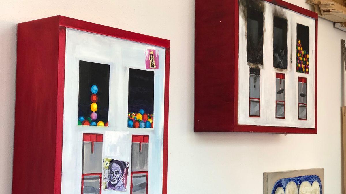 """""""Den könnte ich mir an einem Feuerwehrhäuschen vorstellen"""", sagt Toninho Dingl über sein ausgebranntes Exemplar"""