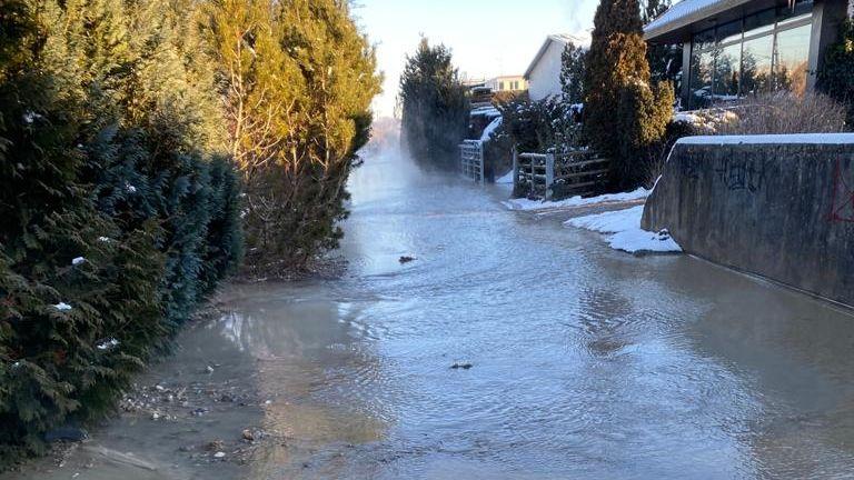 Wasserrohrbruch in Herrsching am Ammersee - 4.000 Haushalte ohne Trinkwasser