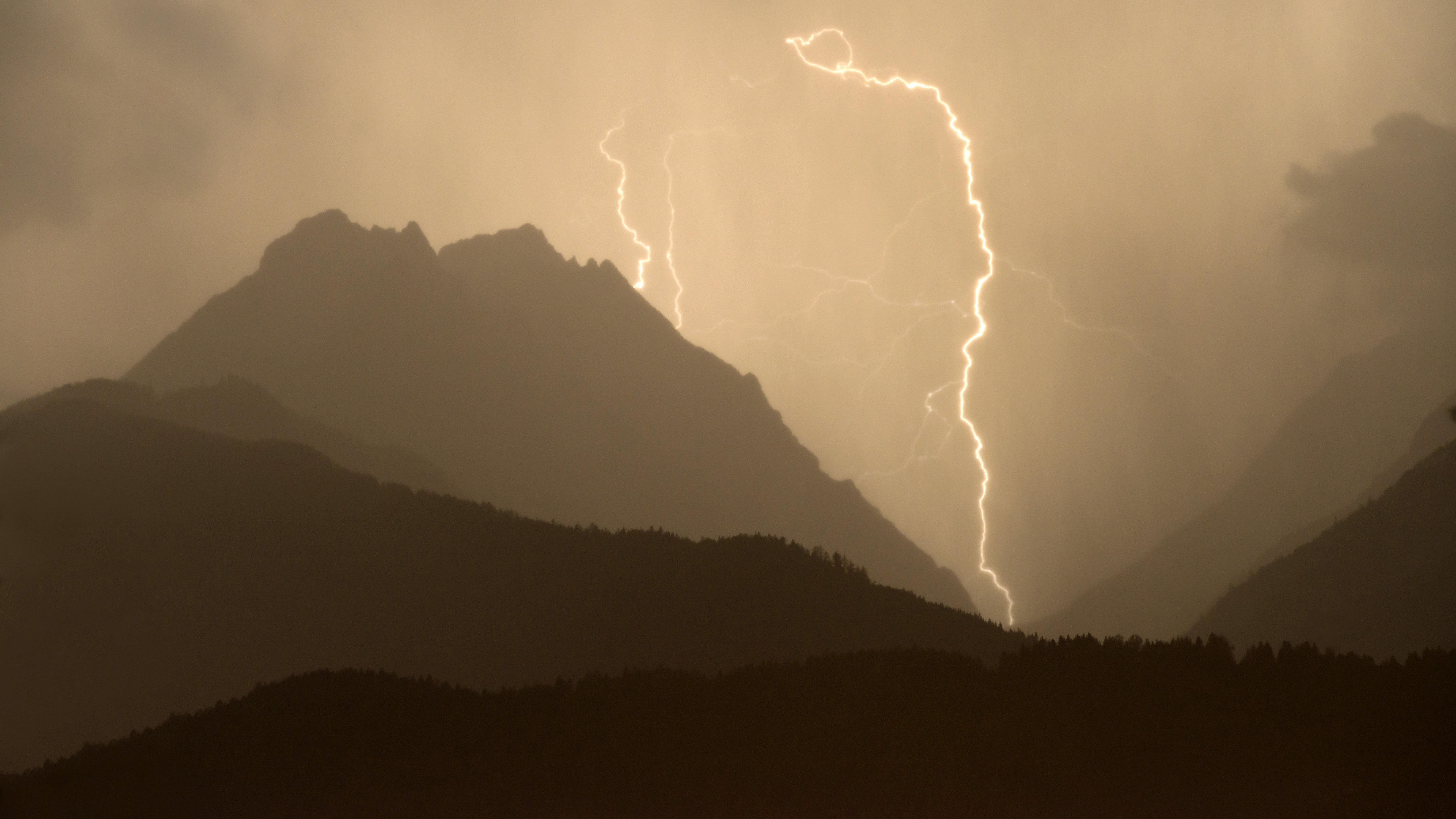 Blitzeinschlag im Karwendel (Symbolbild)
