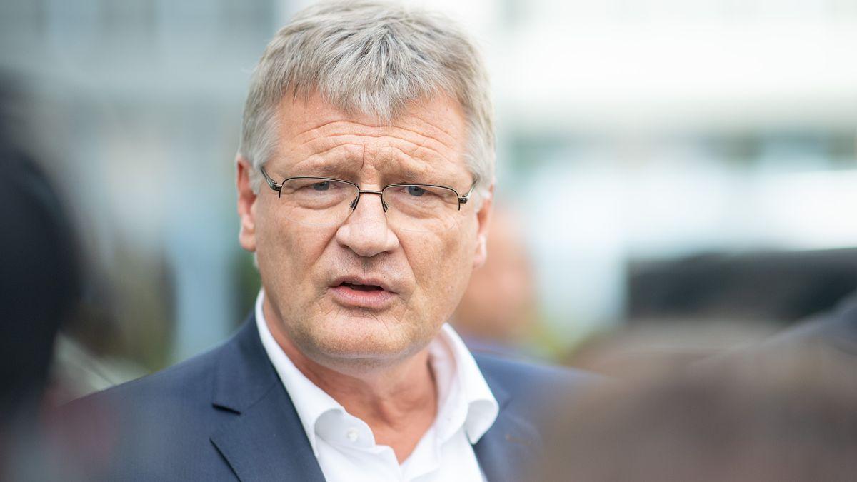 Jörg Meuthen, Bundessprecher der AfD und Abgeordneter im Europaparlament, spricht, spricht am Rande einer mündlichen Verhandlung des AfD-Bundesschiedsgerichts zur Frage