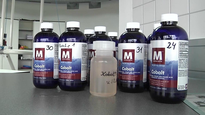 Flaschen mit Kobalt