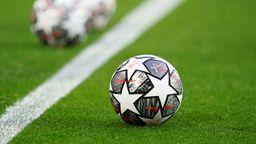 Die offiziellen Spielbälle der UEFA Champions League | Bild:dpa