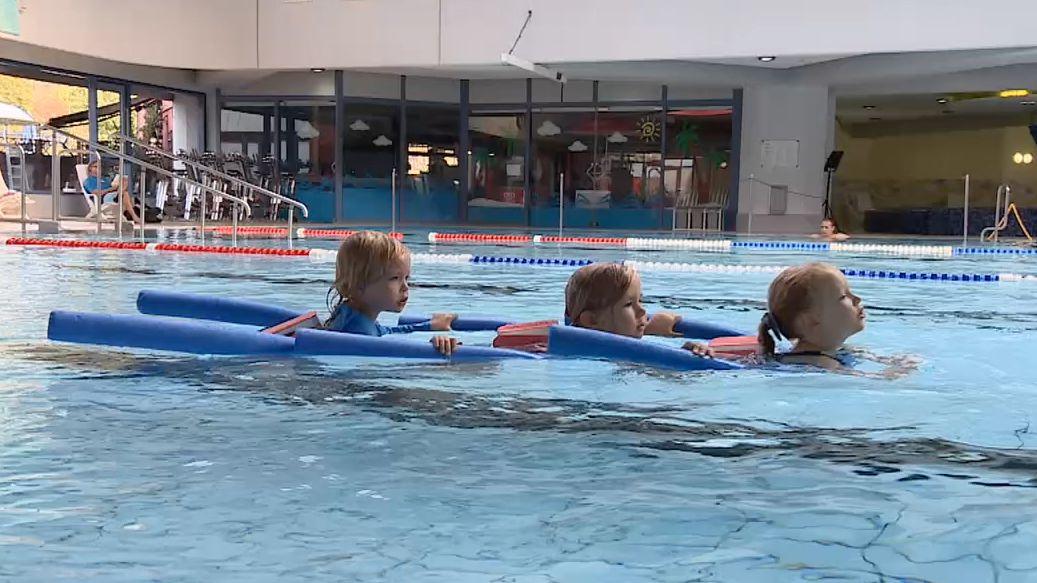 Im Schwimmbad Vitamar in Kleinostheim bei Aschaffenburg  sind die Schwimmkurse wieder gestartet.