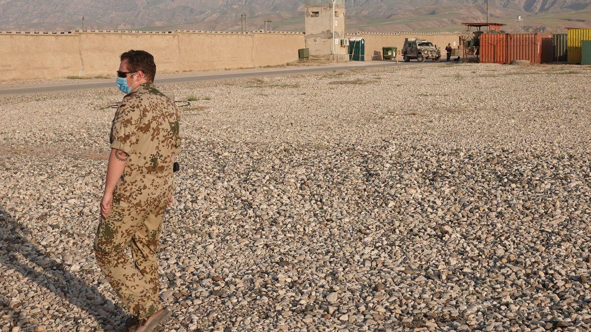 Ein deutscher Soldat im nordafghanischen Masar-i-Scharif