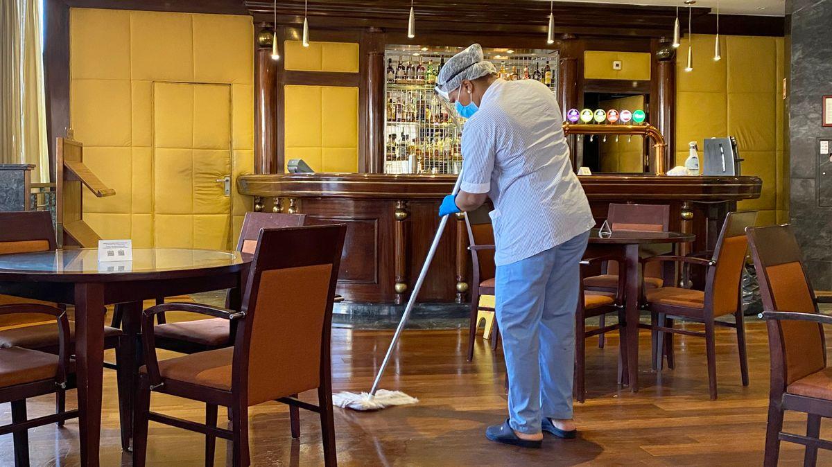 Reinigungsarbeiten in einen Lissaboner Hotel