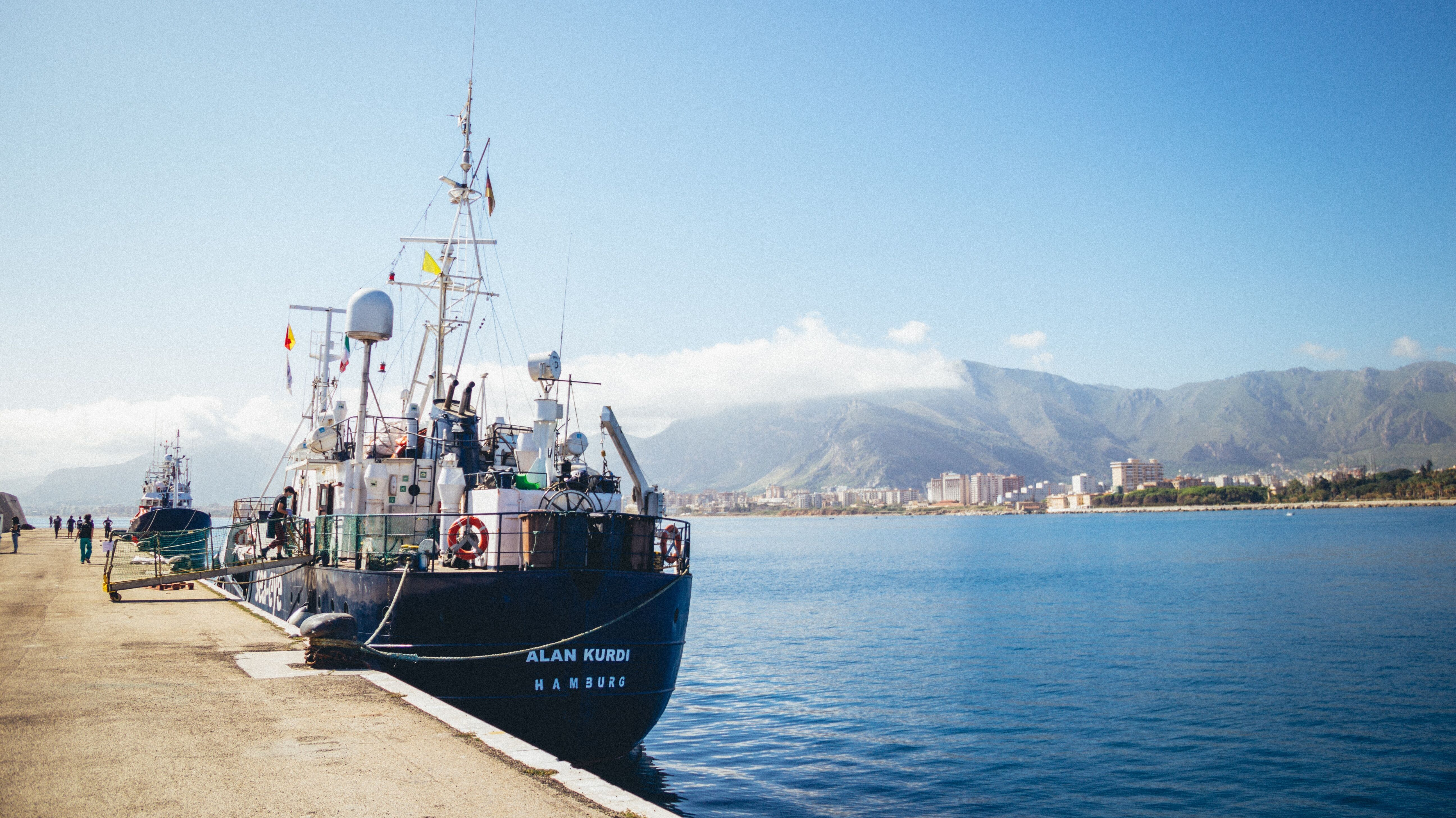 """Die Odyssee der """"Alan Kurdi"""" endete am Montagmorgen im Hafen von Palermo."""