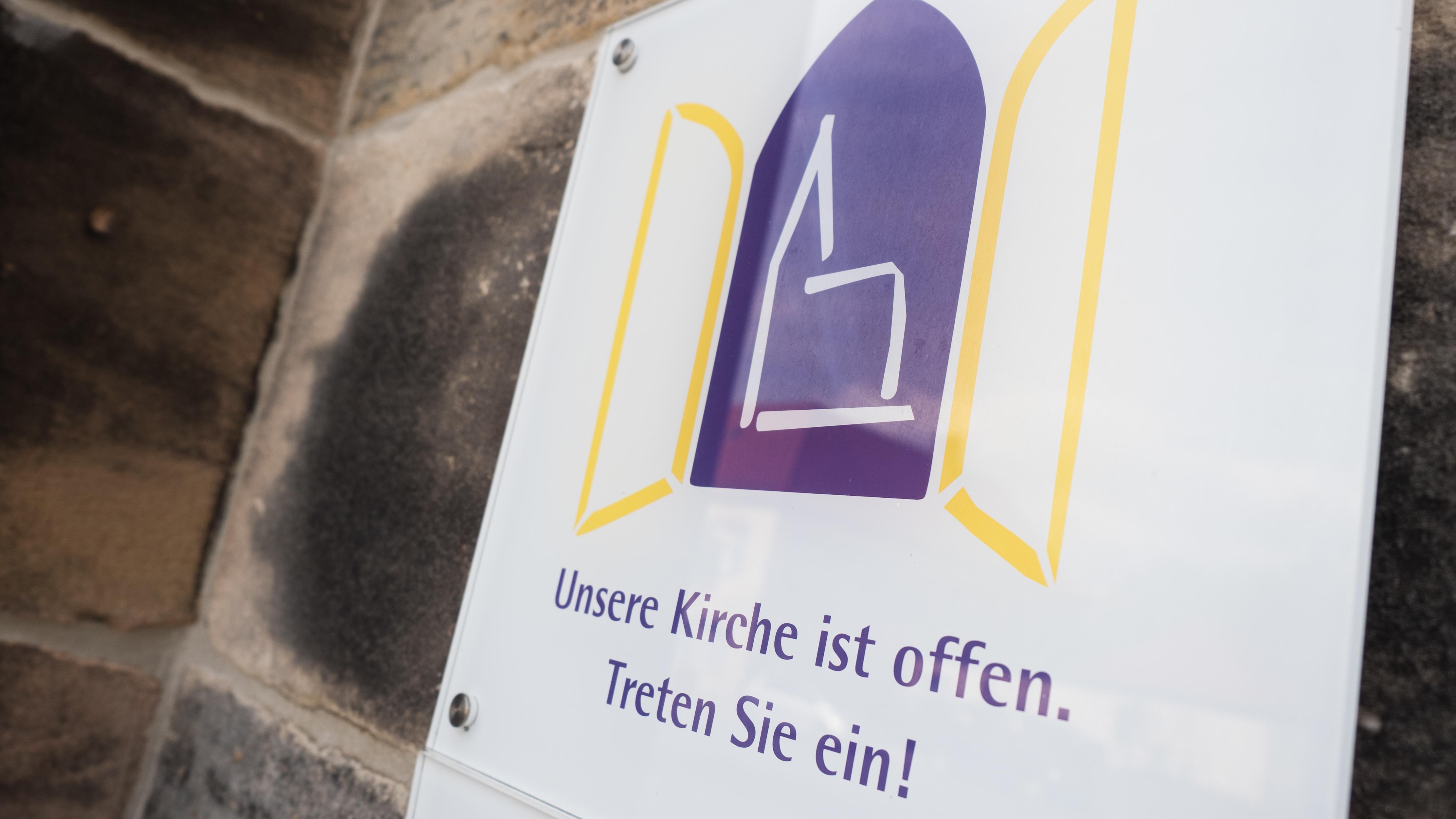 Eingang der Ordenskirche in Bayreuth