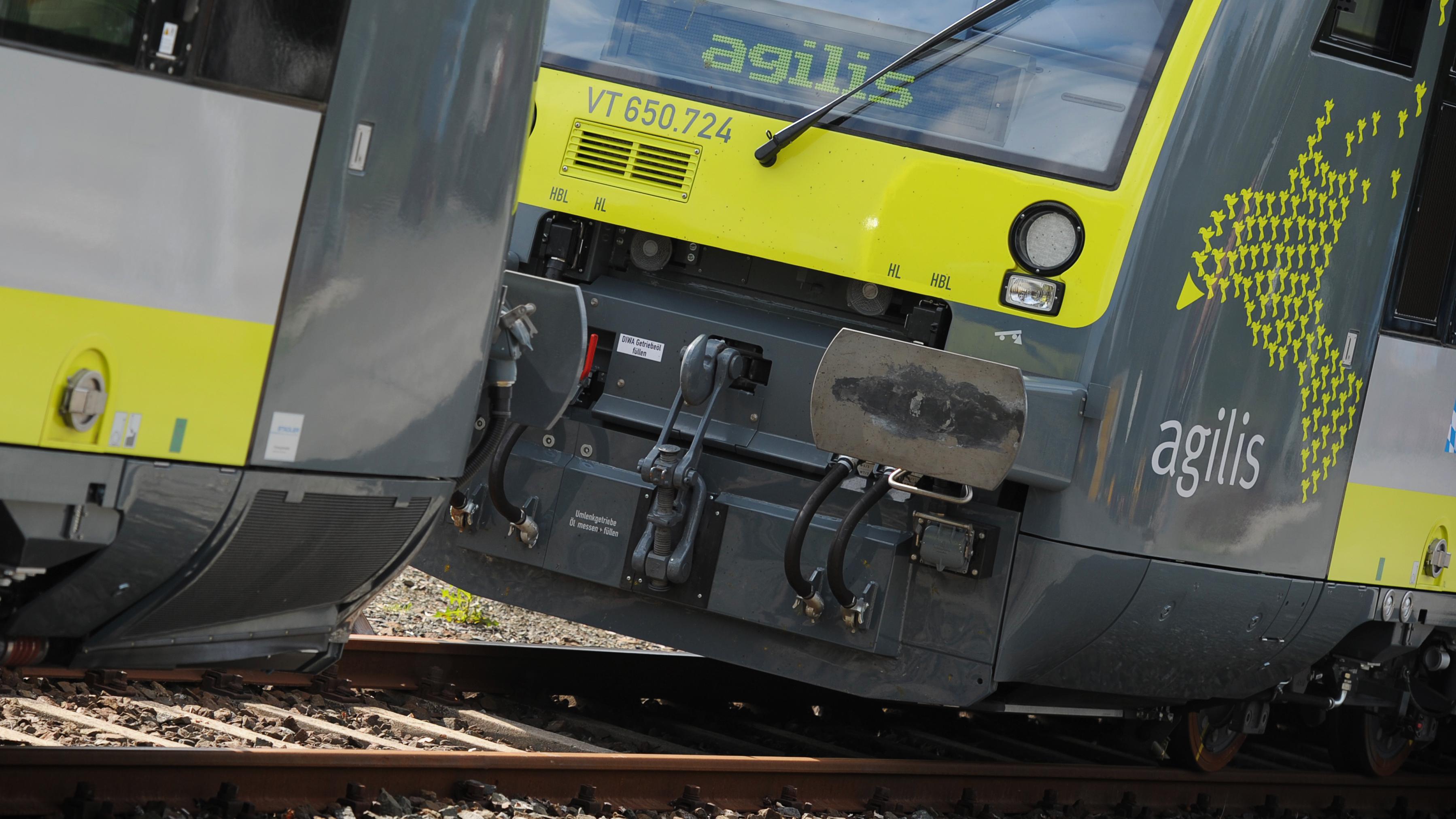 Bei Agilis stehen viele Züge still, weil Lokführer fehlen.