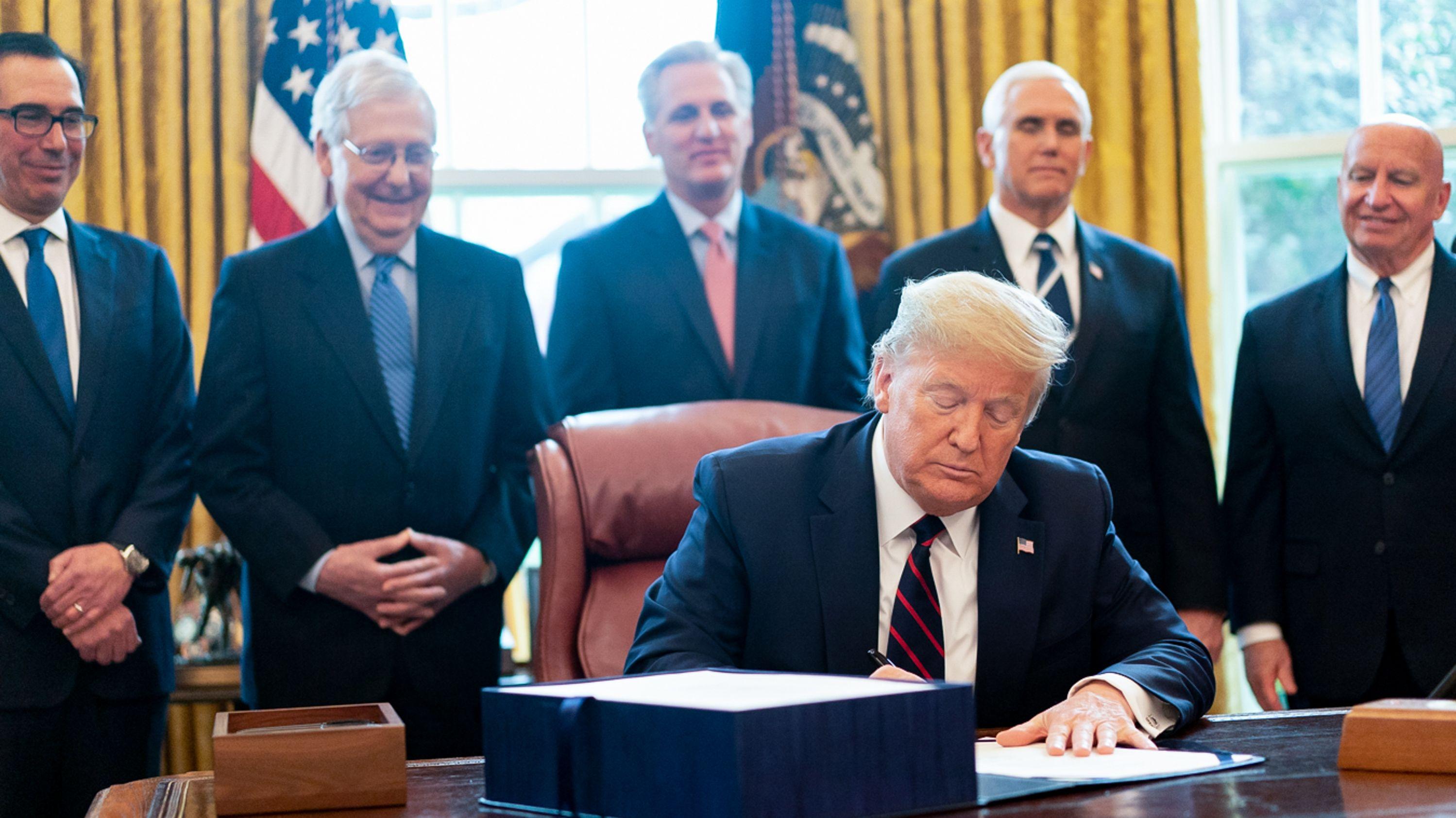 In der Coronakrise nimmt US-Präsident Donald Trump die Industrie in die Pflicht.