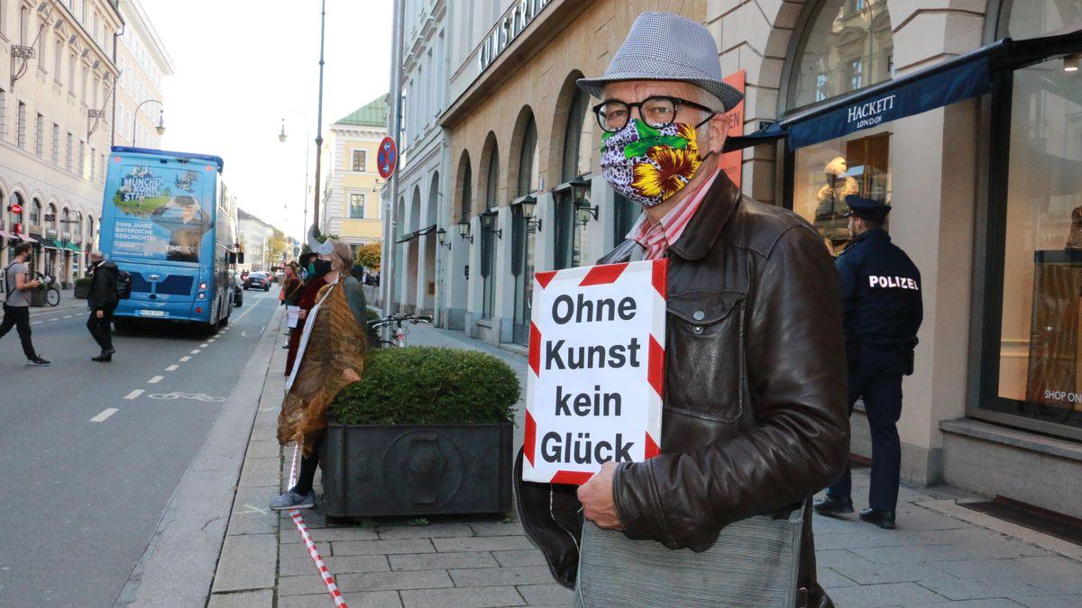 """""""Ohne Kunst kein Glück"""" auf Plakat"""