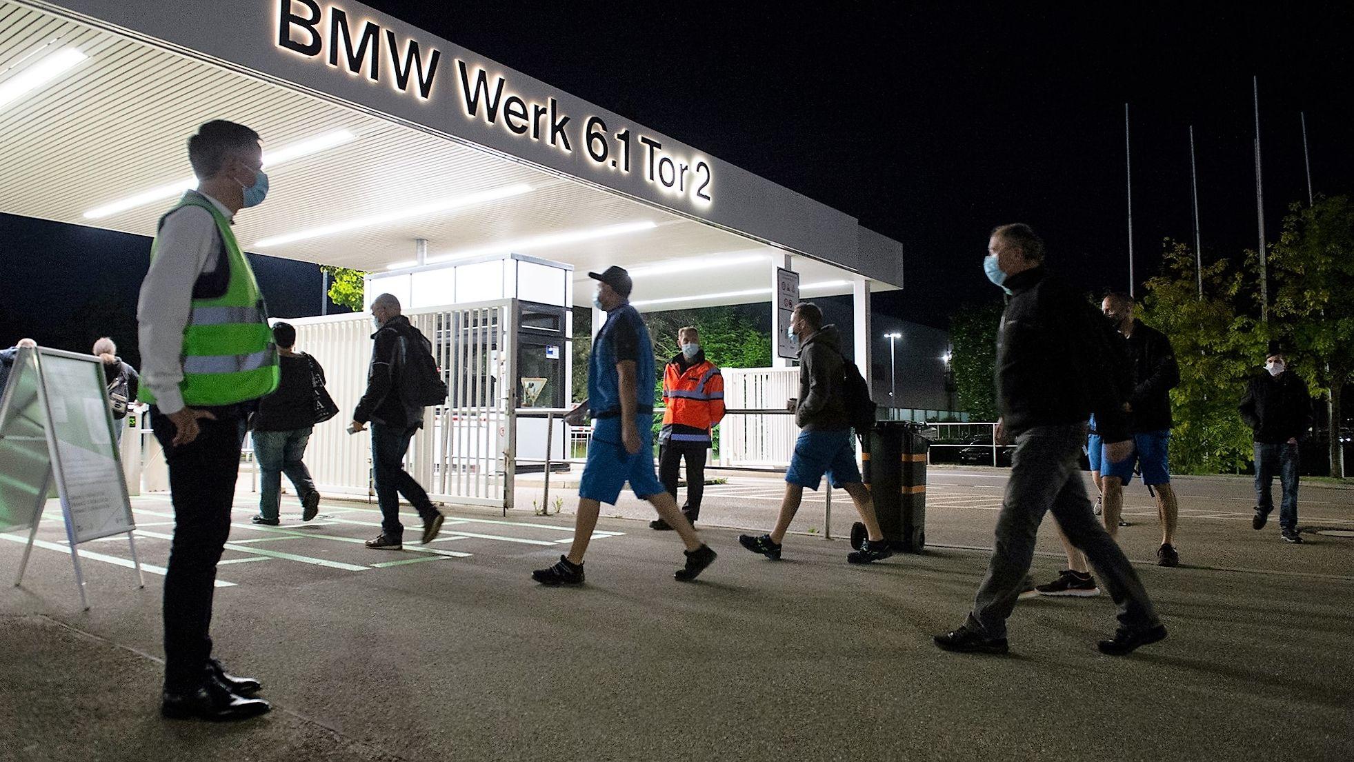 BMW-Mitarbeiter am Werkstor