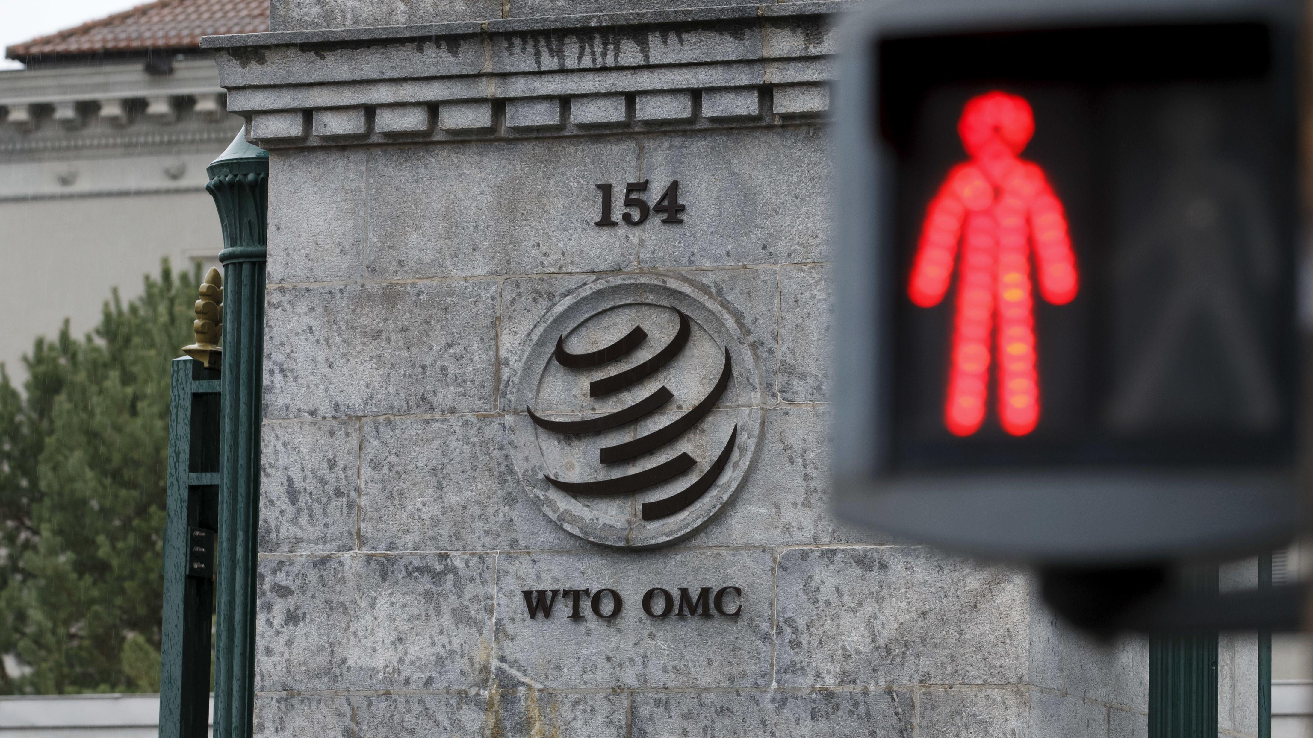Rote Ampel vor WTO-Gebäude in Genf