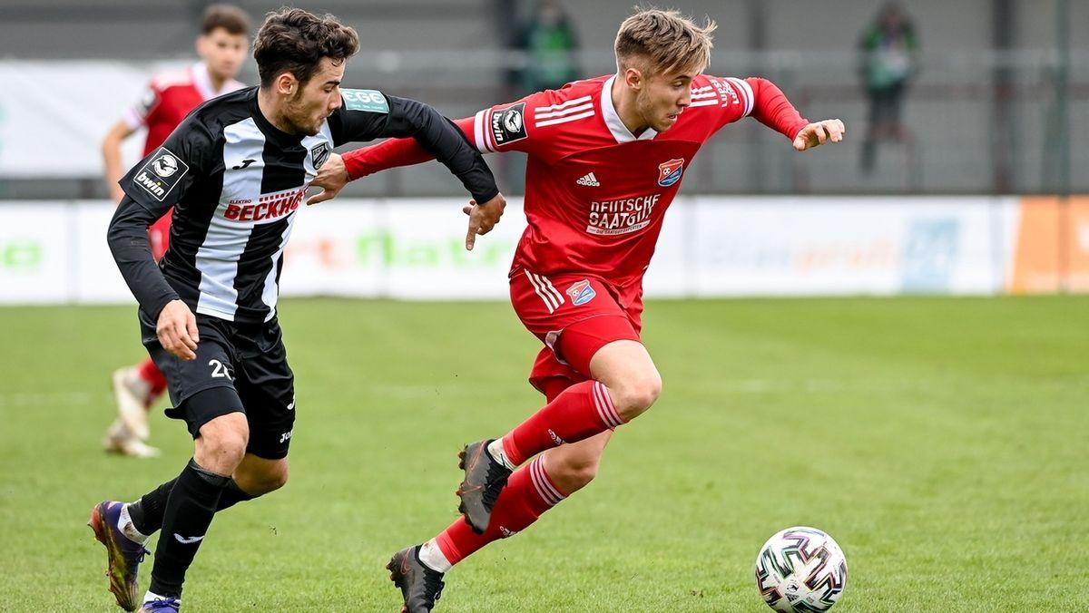 Spielszene SC Verl gegen SpVgg Unterhaching
