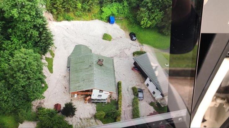 In Schönau am Königssee haben die Unwetter Teile der Weltcup-Bobbahn zerstört.