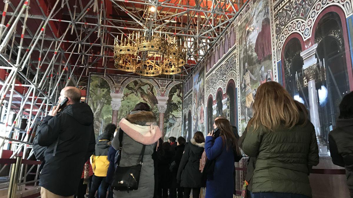 Besuchergruppe im Schloss Neuschwanstein (Januar 2019)