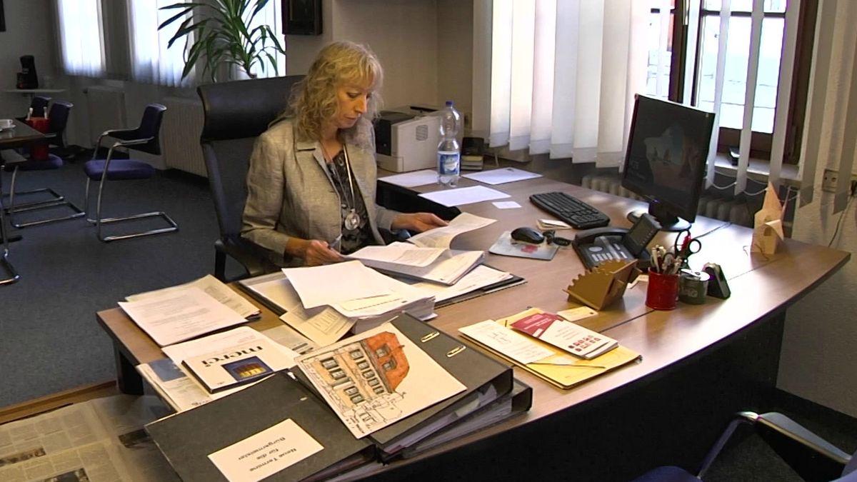 Die Staatsanwaltschaft Ansbach ermittelt gegen Leutershäuser Bürgermeisterin Sandra Bonnemeier.