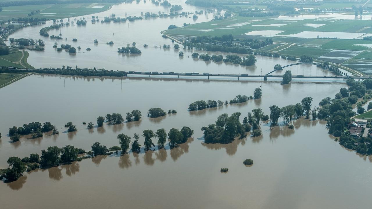 Hochwasser auf der Donau bei Straubing (2013)