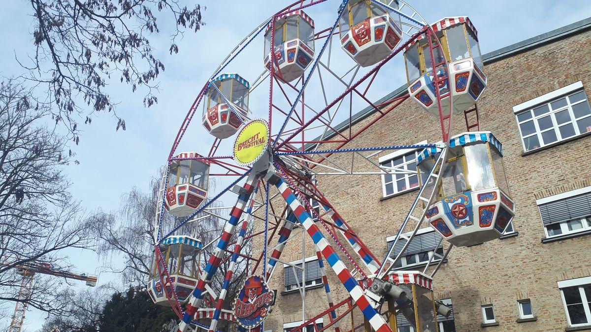 Riesenrad im Augsburger Martinipark.