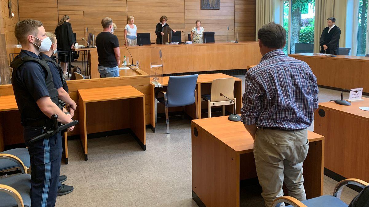 Das Landgericht Traunstein hat den 28 Jahre alten Autofahrer freigesprochen.
