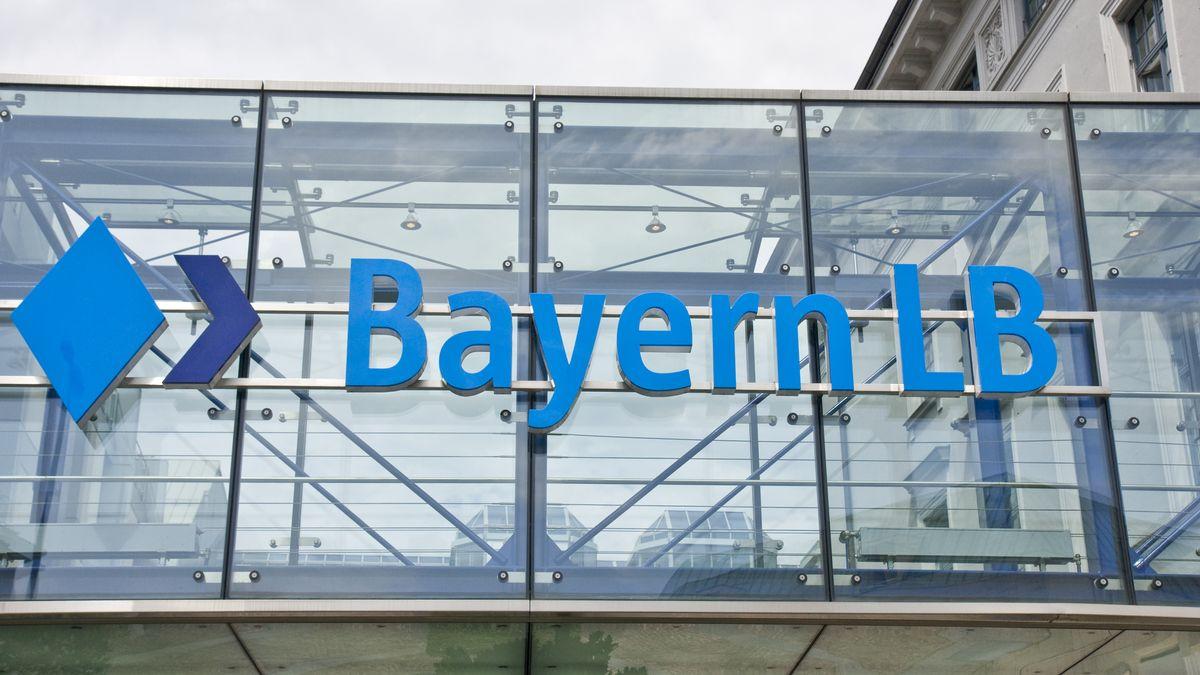 BayernLB Schriftzug