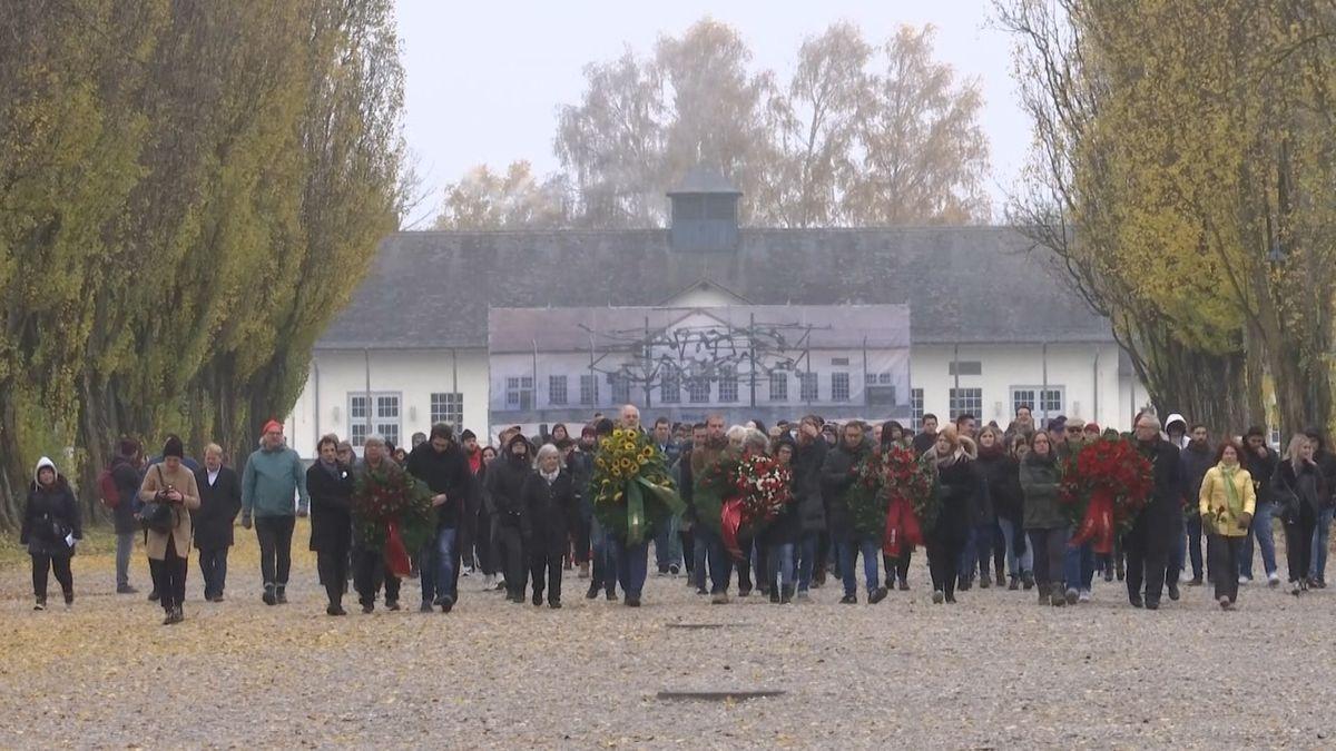 Münchnerinnen und Münchner erinnern an jüdische Opfer zur Nazizeit