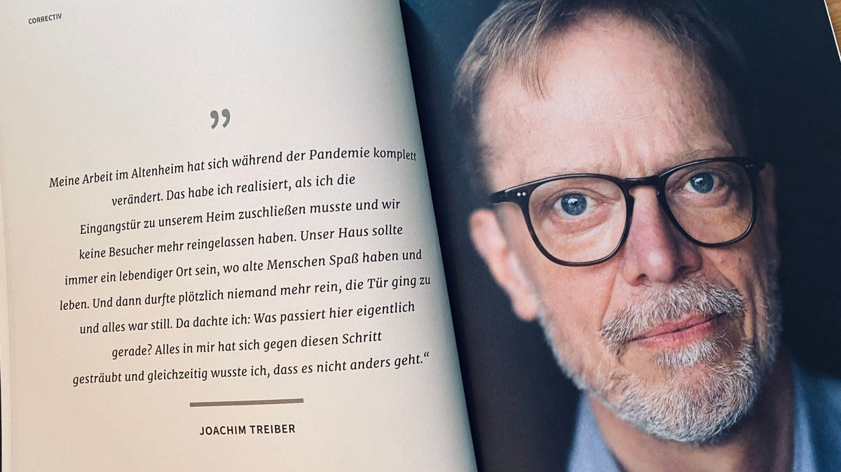 Blick in ein aufgeblättertes Buch mit einem Portrait und einem Text von Joachim Treiber.