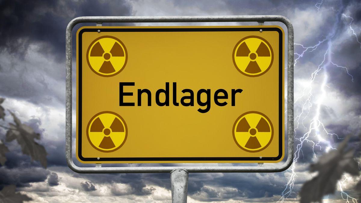"""Ortsschild """"Endlager"""" (Symbolbild)"""