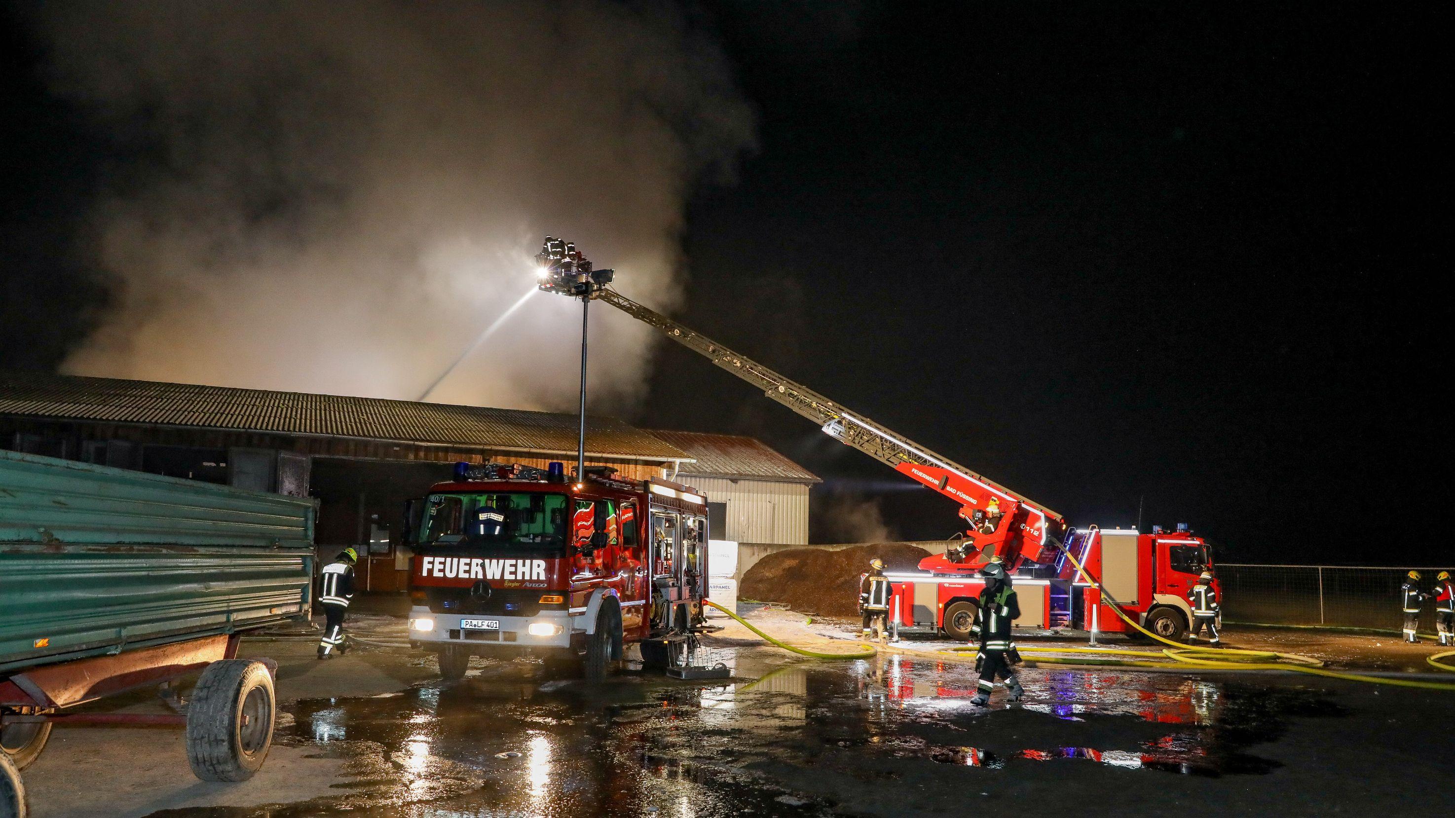 Hallenbrand in Pocking